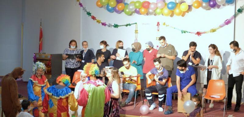 Hastanemiz Sağlık Çalışanlarından Lösemili Çocuklara Müzik Etkinliği